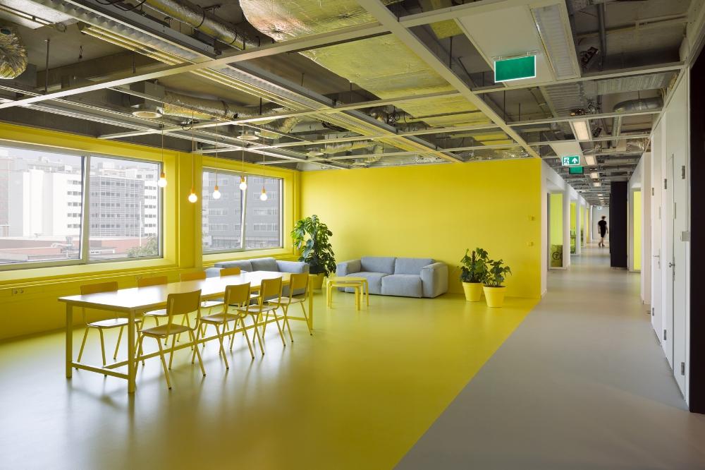 Architectenbureau Den Haag : Apollo transformatie kantoor den haag u corine keus