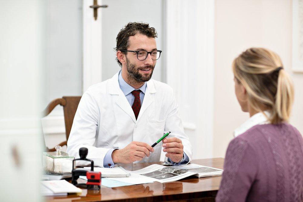 Die Patientin steht im mittelpunkt - Als Facharzt für Frauenheilkunde und Geburtshilfe und Oberarzt an der Universitätsklinik für Frauenheilkunde der Medizinischen Universität Wien bin ich in der Lage meine Patientinnen umfassend und am stets aktuellen Stand der Medizin zu betreuen. Die Patientin steht im Mittelpunkt. Kompetente Abklärung, offene Kommunikation, verständliche Beratung und einfache Erreichbarkeit sind mir dabei ein besonderes Anliegen.