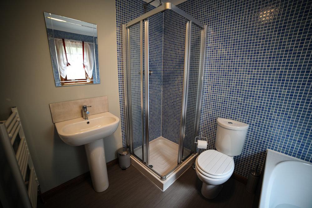 Garden_Room_Bath_3.jpg