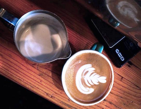 cappucino pour latte art.png