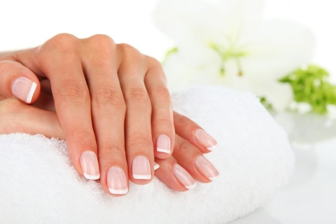 hands-with-healthy-nails-715x545.jpg