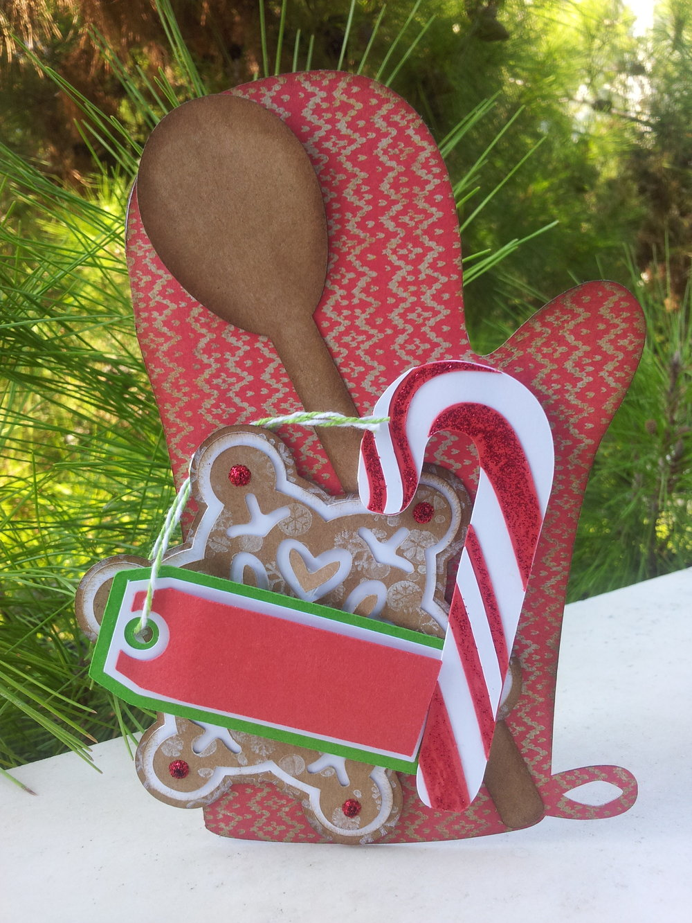 Oven-mitt shaped card