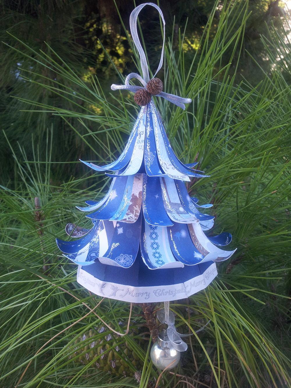 2. Κρεμαστό Χριστουγεννιάτικο Δέντρο