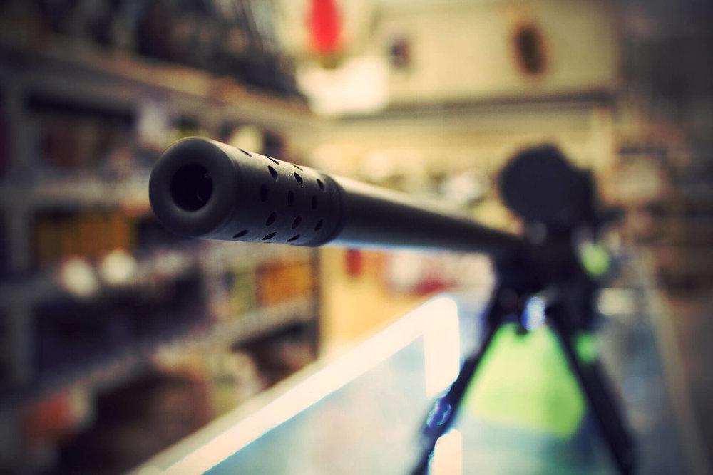 guns-galore_img01.jpg