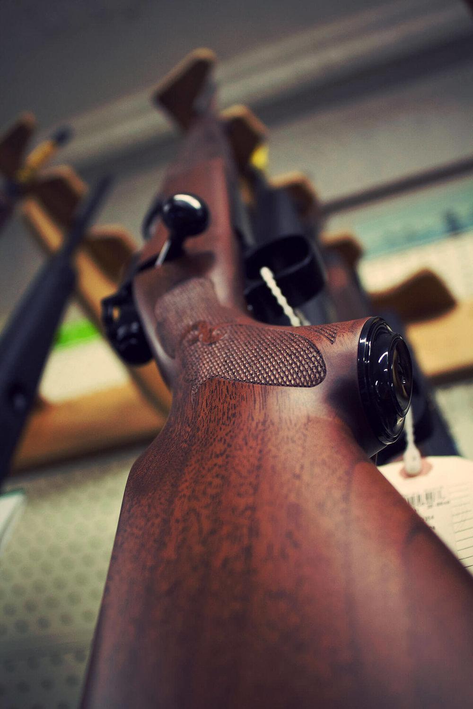 guns-galore_img02.jpg