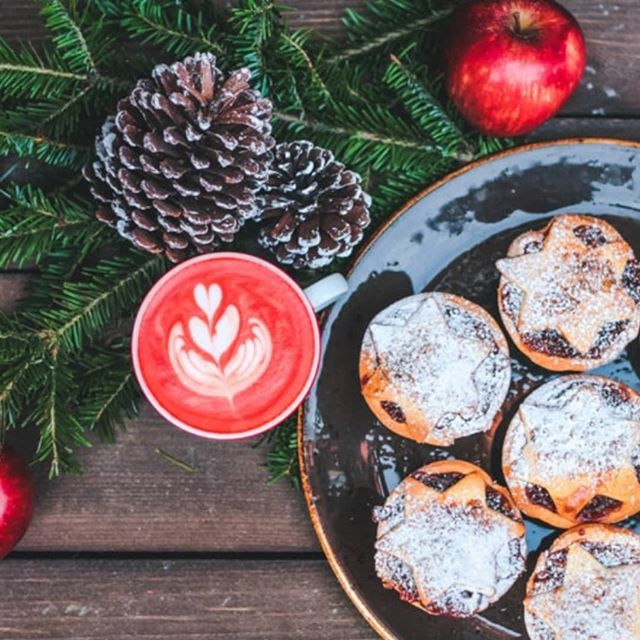 Get gut-ready this Christmas and read our top tips for keeping you AND your gut healthy and happy during the silly season. Head to the link in our bio to see how we prepare for a gut-friendly Christmas.  Head to the link in our bio!  #guthealth #foodforthought #foodismedicine #microbiome #gutbacteria #wholefood #gaps #gapsdiet #gapsprotocol #paleo #keto #ketogenic #gutnourishing #nourish #freerecipe #nutritionist #healthegut #lowtox #sugarfree #christmas #happygut #gutfriendly