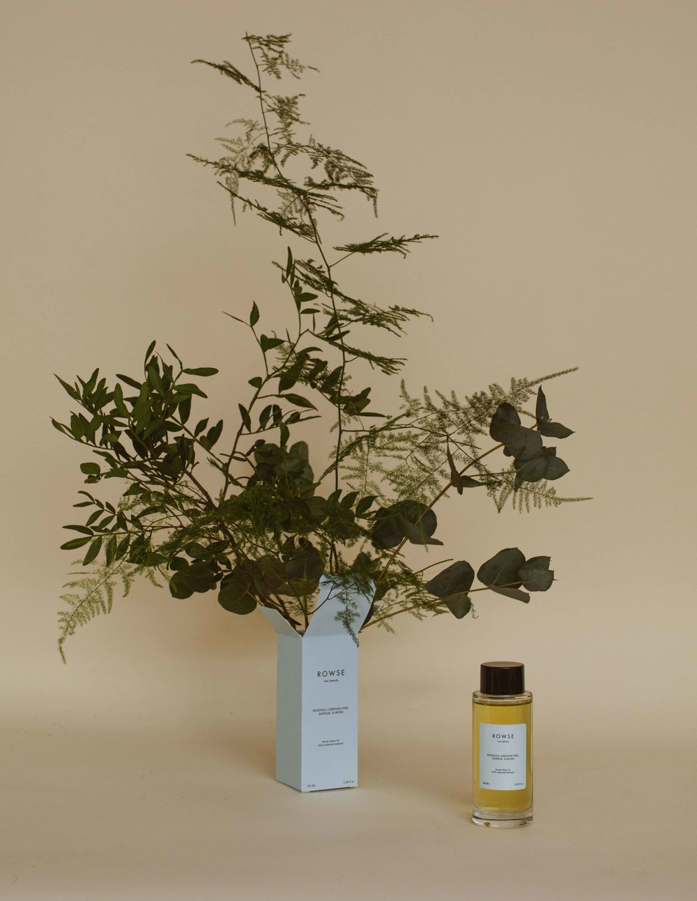 WINTER BODY OIL - ROWSE has taken nature's most powerful ingredients and botanical scents to create the Winter Body Oil.ROWSE's first body oil is a blend of super powerful raw plants including Rhodiola, Siberian Pine, Borage and Almond. All of these plants contain strong antioxidants to nourish and protect the skin during the coldest season of the year.100% natural* | preservative free | cruelty free | vegan