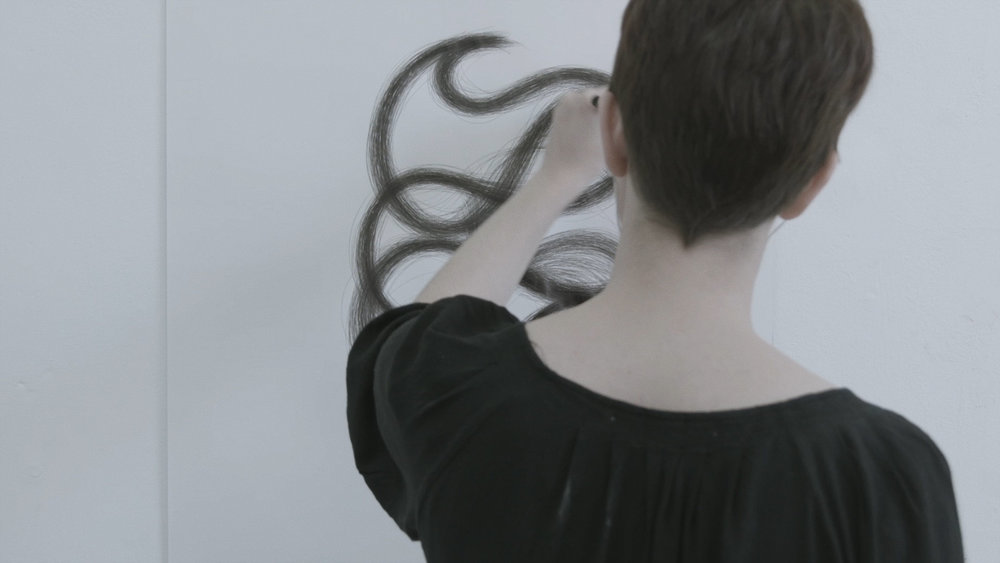 Semechki (UK) - Semechki (Семечки) is a series of experimental translations of Eta Dahlia's minimalist Russian poems into gestural drawings by Iris Colomb. - 01:05Directed by Eta Dahlia
