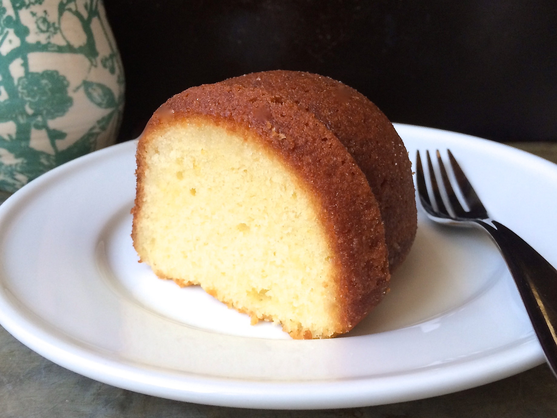 lemon bundt slice