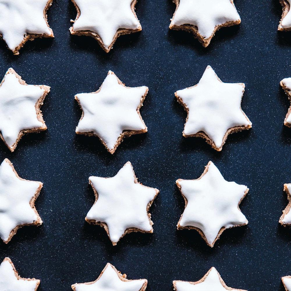 Cinnamon Almond Merigue Stars_Zimtsterne (1).jpg
