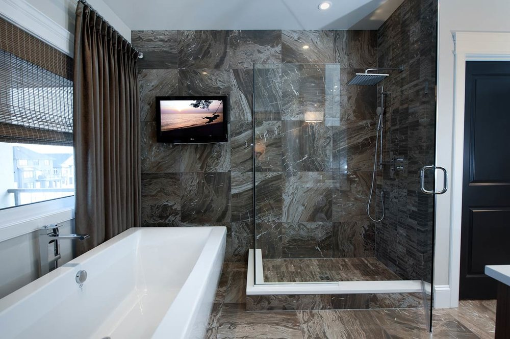 rocy-craftsmanship-ensuite-tub-shower.jpg