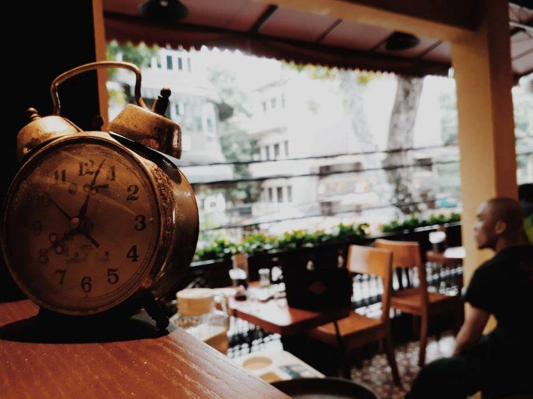 thiet-ke-quan-cafe-co-dien.jpg