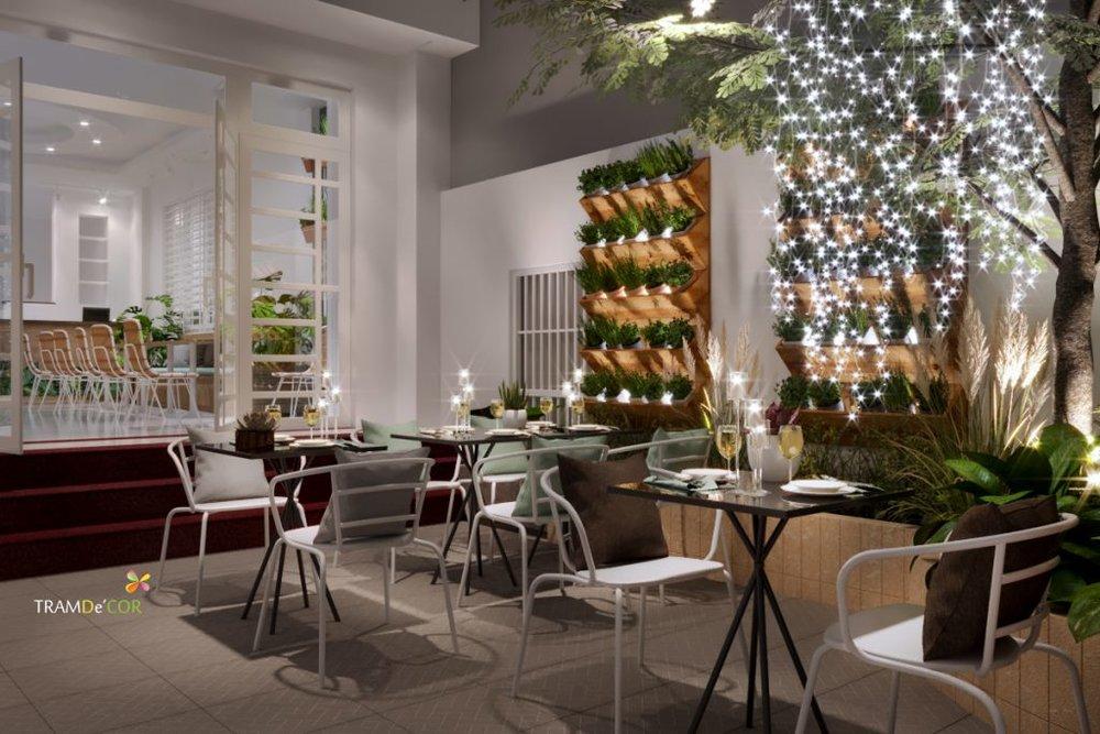 Không gian mở, khu vực sân vườn cũng được chú ý đến mọi chi tiết nhằm tạo cảm giác thoáng đãng cho khách hàng.