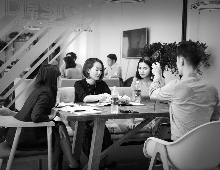 TẠI SAO CHỌN TRAMDECOR - Chuyên gia về thiết kế nội thất, cung cấp bản vẽ thiết kế 2D, 3D chi tiết, chỉn chuCung cấp dịch vụ thiết kế nội thất và thiết kế thương hiệu trọn góiĐội ngũ sáng tạo, giàu kinh nghiệm về thiết kế nội thất cà phê, nhà hàngThiết kế sáng tạo, phong cách đa dạng, concept ý tưởng mới lạLuôn chuẩn xác về tiến độ, giúp khách hàng rút ngắn được thời gian chuẩn bị, đẩy nhanh thời gian kinh doanh đưa vào vận hành