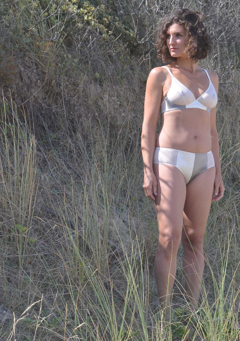 Astéria • soutien-gorge 85€ et culotte haute 65€
