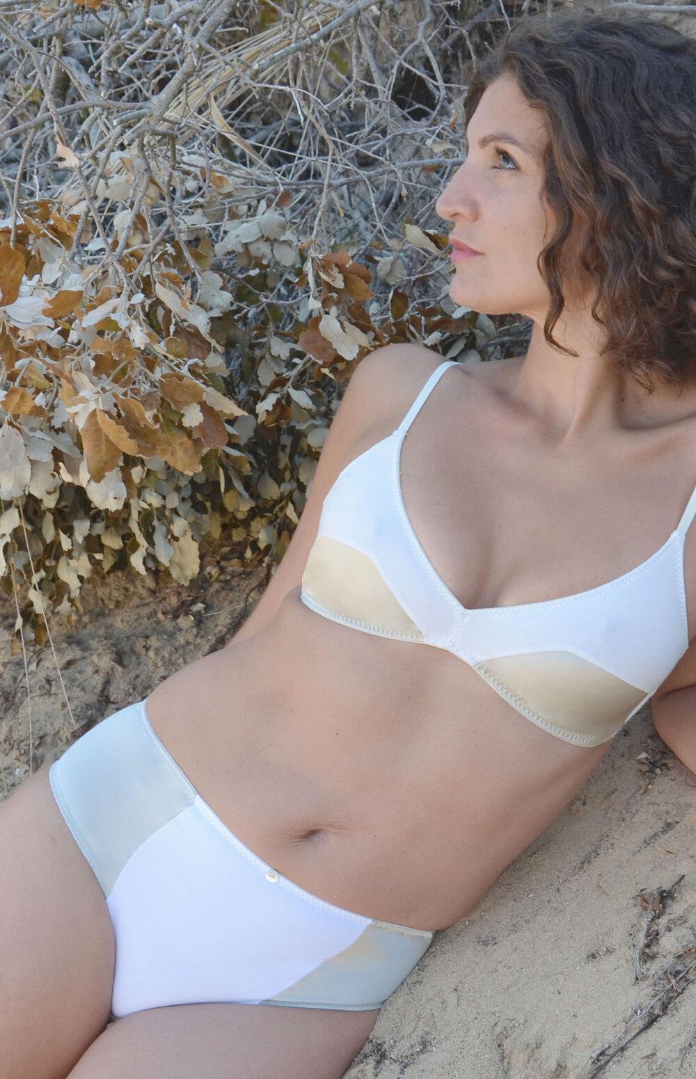 Phébé • triangle sans armature 75€ et culotte haute 57€