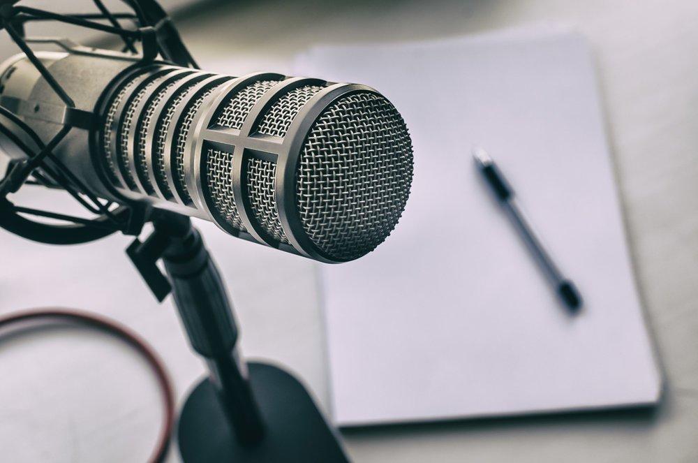microphone-pen-paper-podcast.jpg