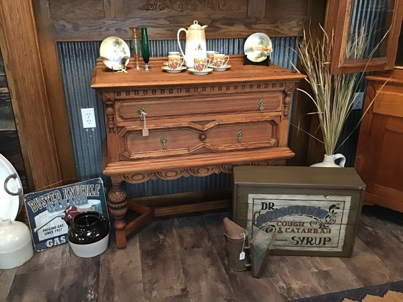 antique_table.JPG