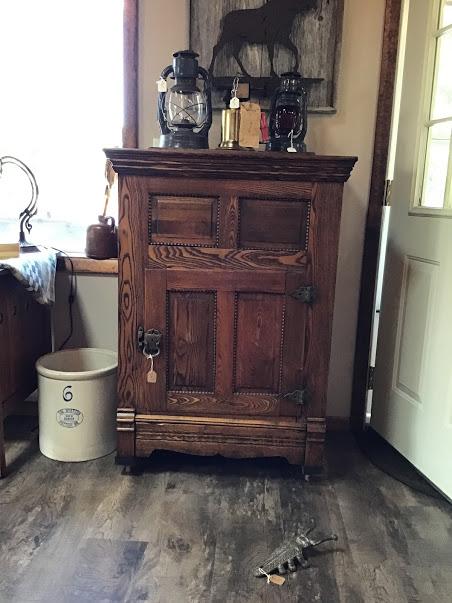 antique_fridge(2).JPG