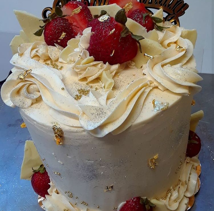 CLICK HERE   to order our collection of 4-Layer Butter Cakes