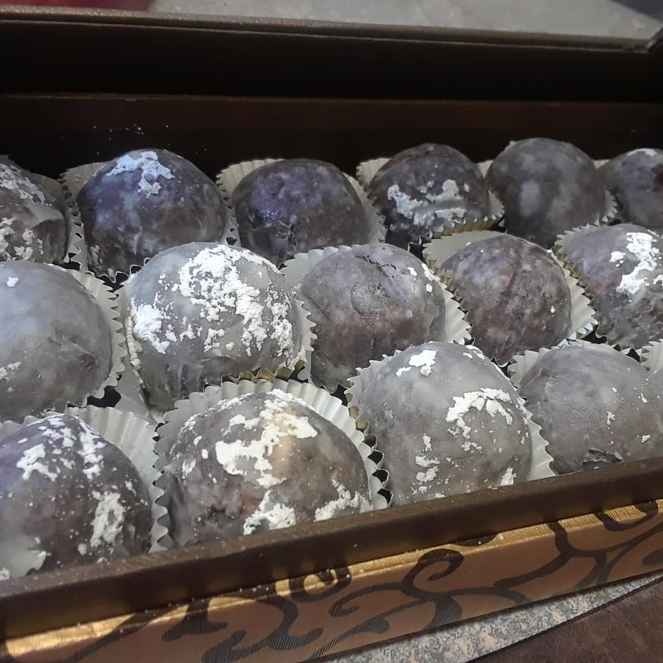 CLICK HERE   to order our Classic Rum Balls