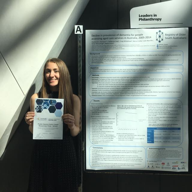 Stephanie and her poster award 26-10-2018.jpg