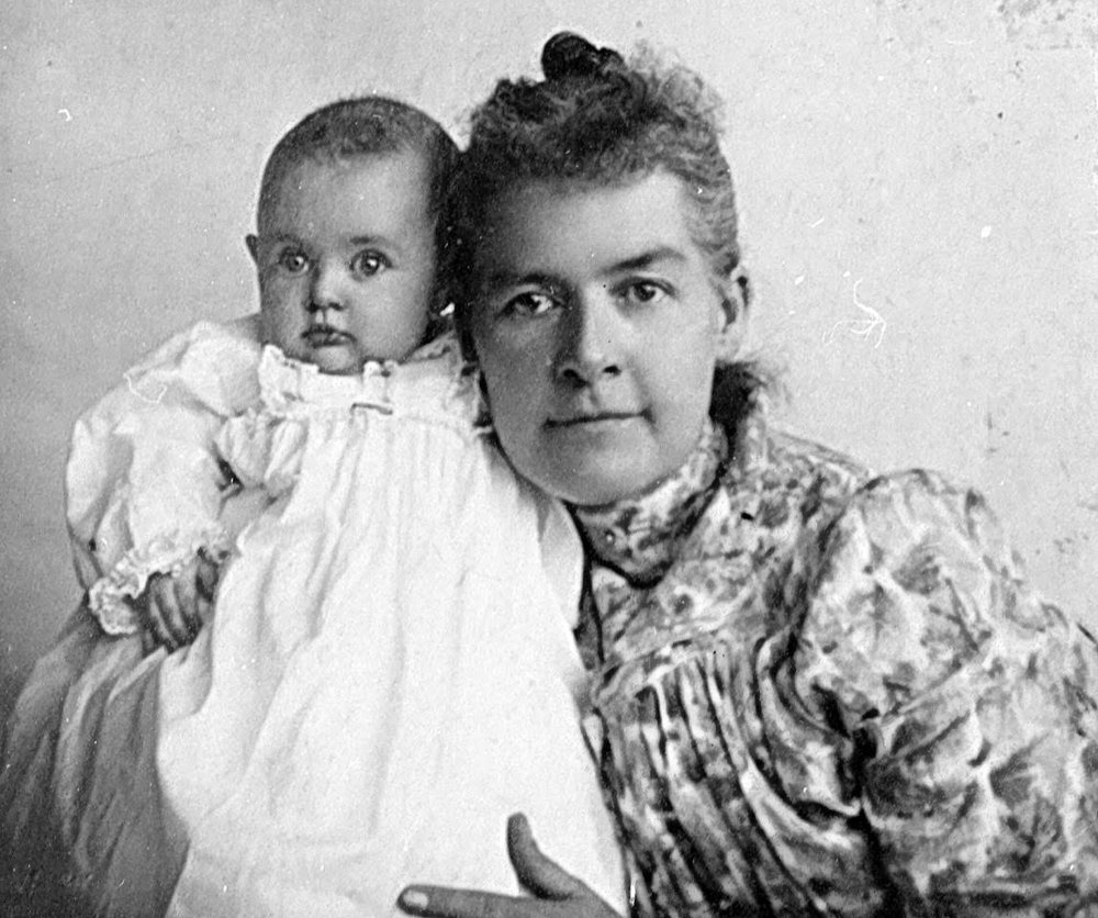 Senator Martha Hughes Cannon and daughter Gwendolyn 1899.