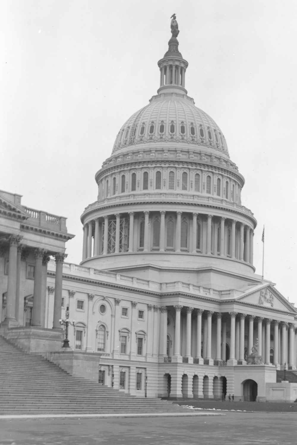 MarthaOnSufferage-Capitol of the United States March 5, 1915.png