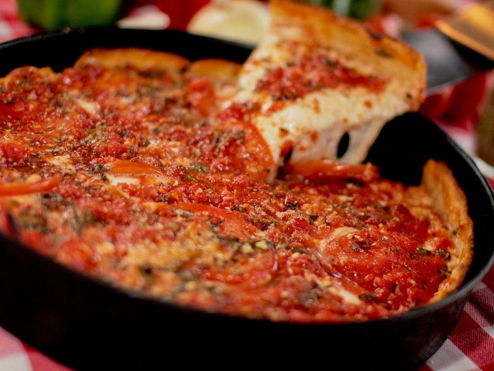 シカゴスタイルディープディッシュピザ -