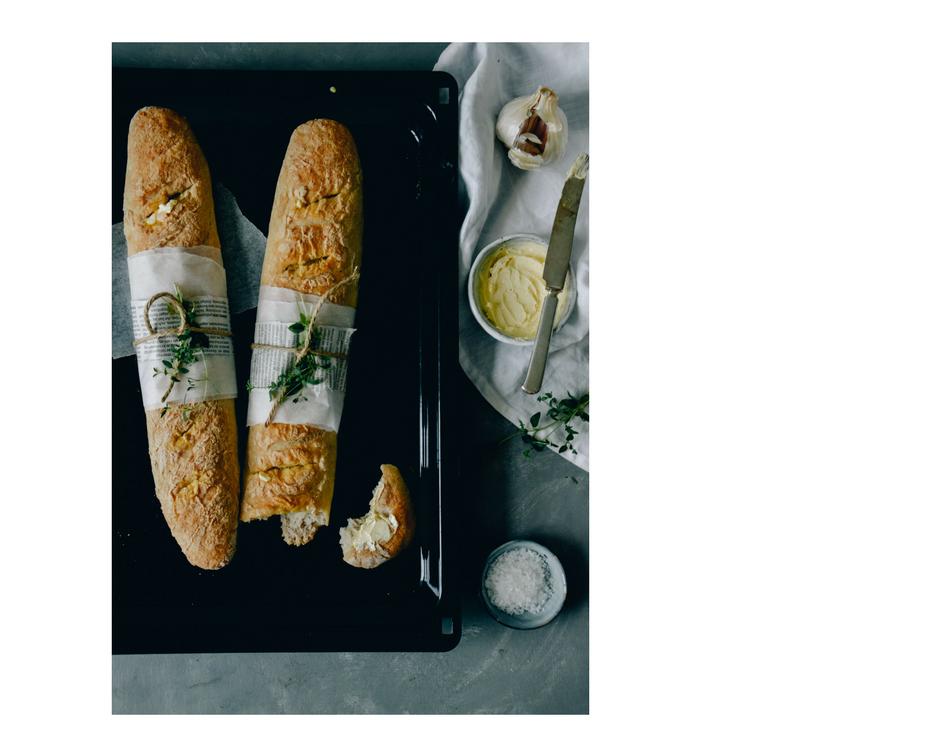Glutenfree garlic baguettes by The Nordic Kitchen