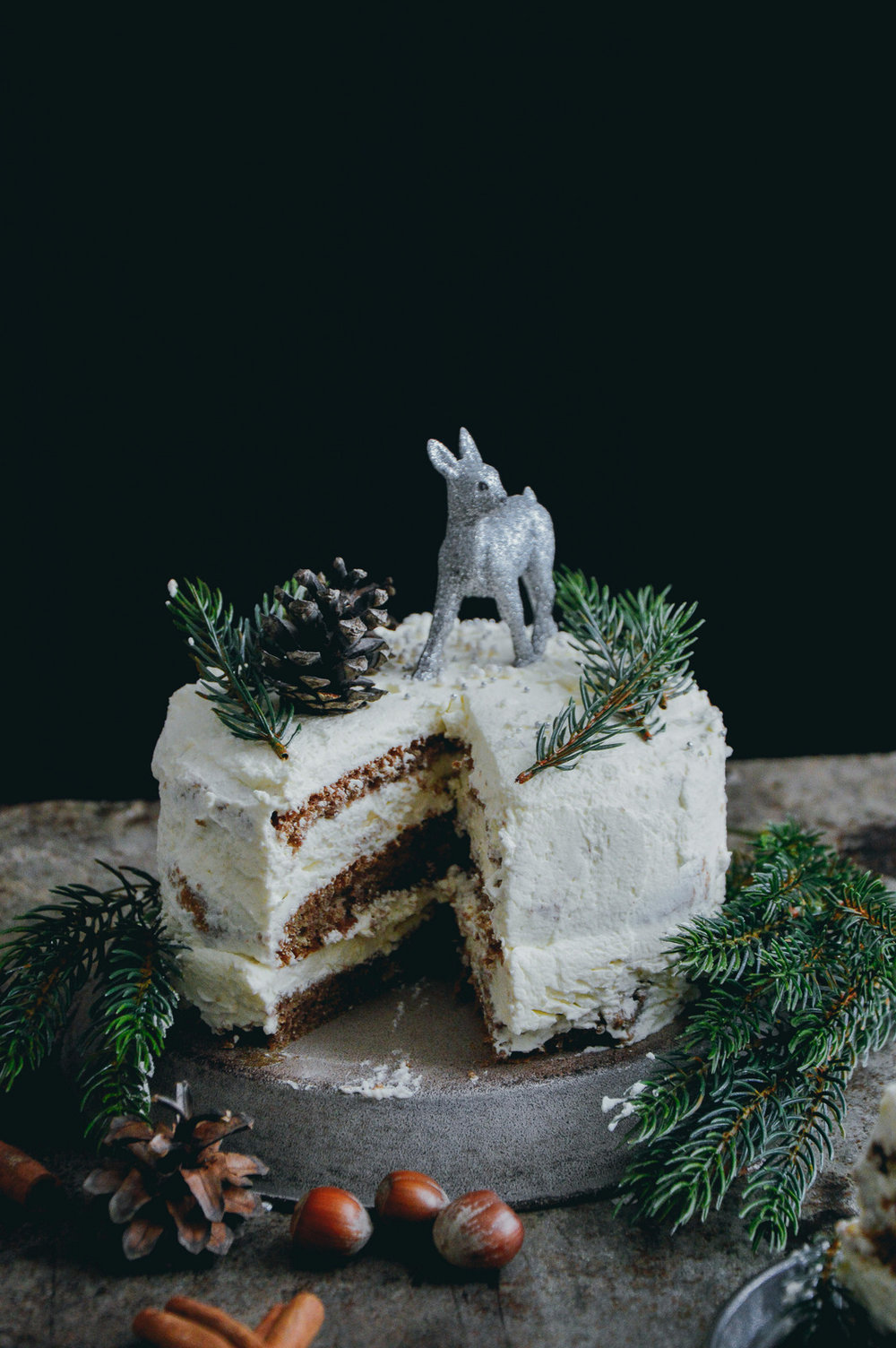 Glutenfree Christmas cake with orange and cinnamon frosting | The Nordic Kitchen