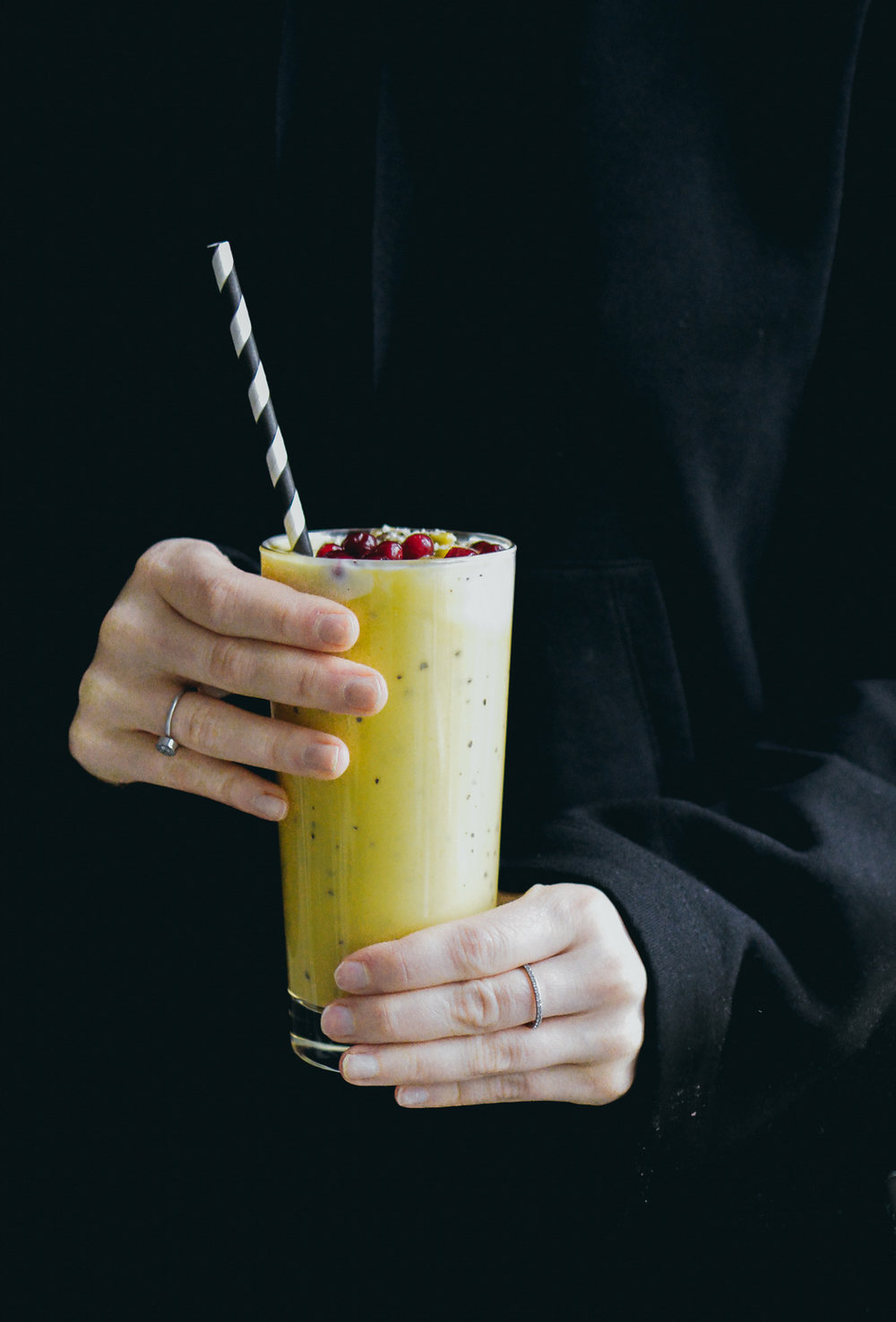 Mango and passion fruit smoothie | The Nordic Kitchen