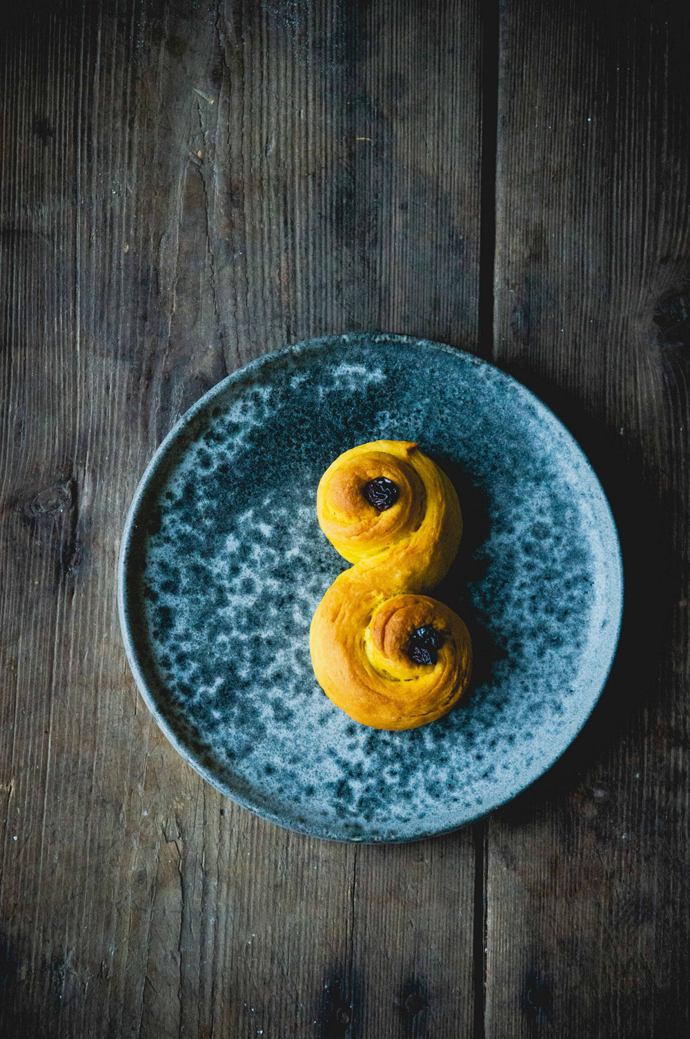 "Vegan ""Lussekatter"" - Swedish Saffron Buns 