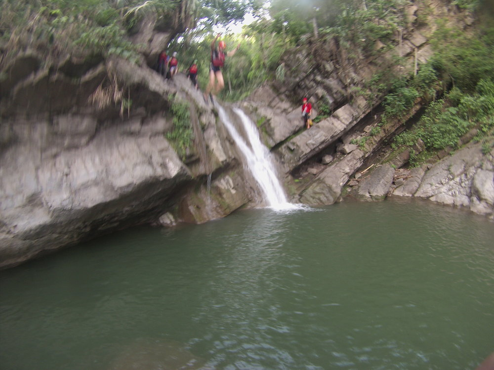 Canyoning in Villeta