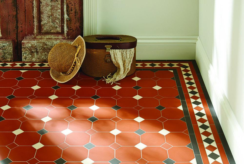Harrogate Pattern Bespoke Kingsley Border Red Black White