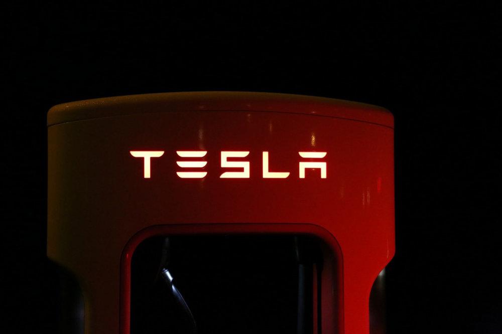 tesla-superchargeurs.jpg