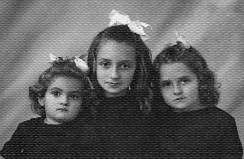 Sisters_2.jpg