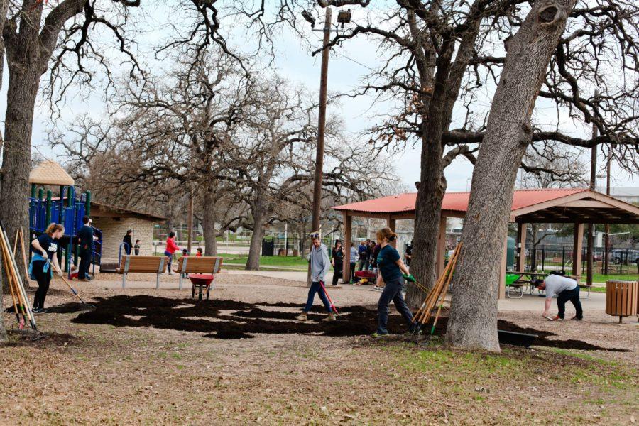 Spring It's My Park Day 2018. Photo by J. Potter-Miller.