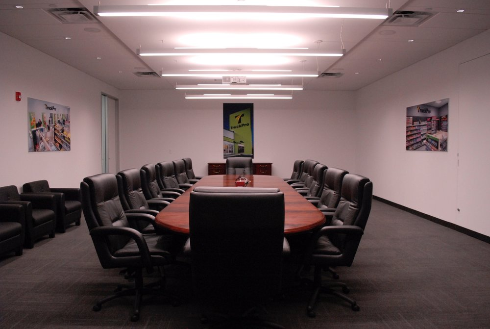TruckPro_Boardroom_Finished-Product_Environmental-Graphics_Dreamcapture_Memphis-TN