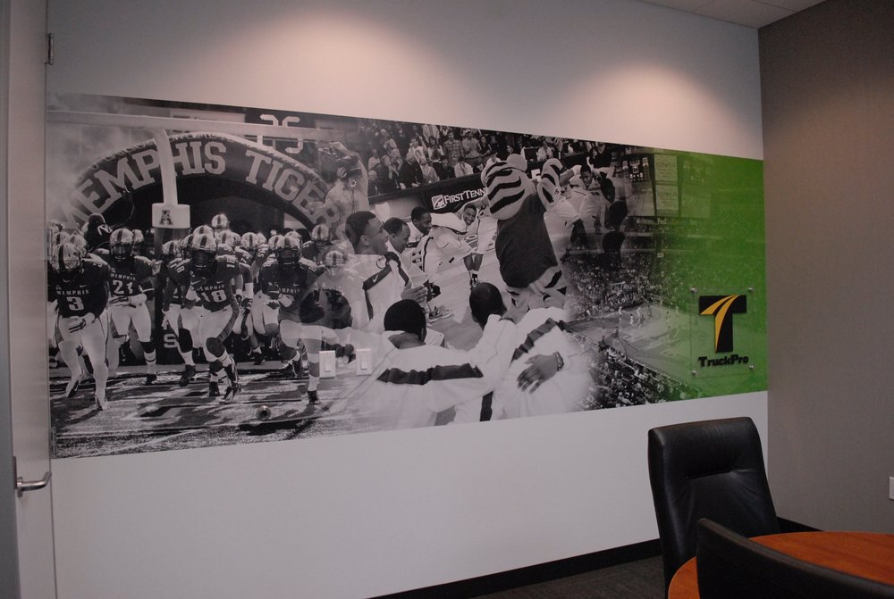 TruckPro_Tigers-Room_Finished-Product_Environmental-Graphics_Dreamcapture_Memphis-TN