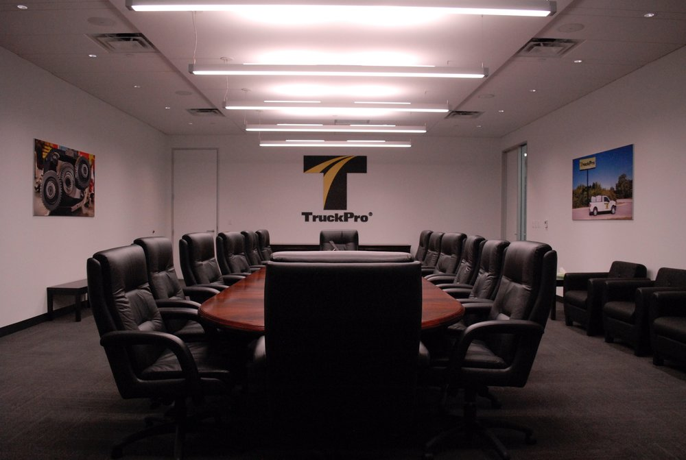 TruckPro_Boardroom_Finished-Product_Environmental-Graphics_Dreamcapture_Memphis-TN_2