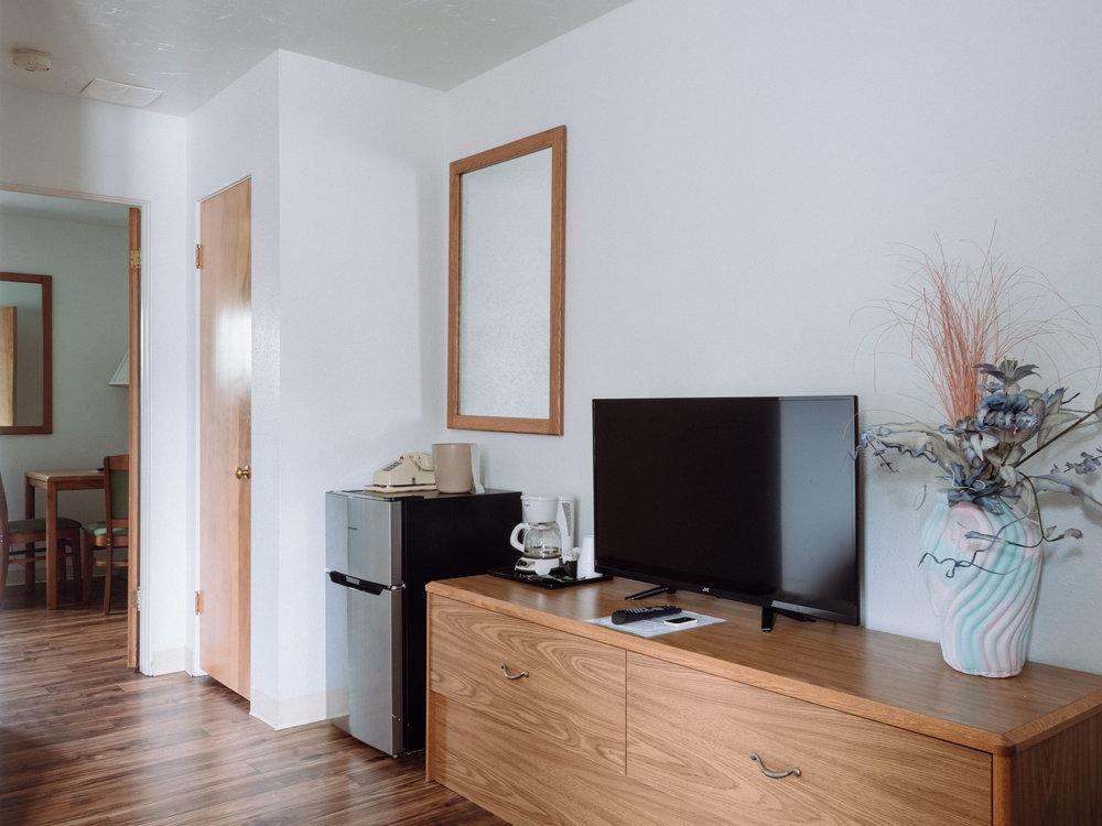 Living Room, 2 Bedroom Suite