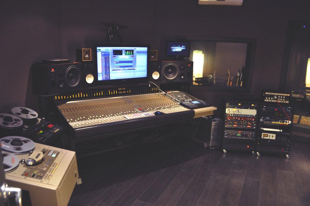 studio-sm.jpg