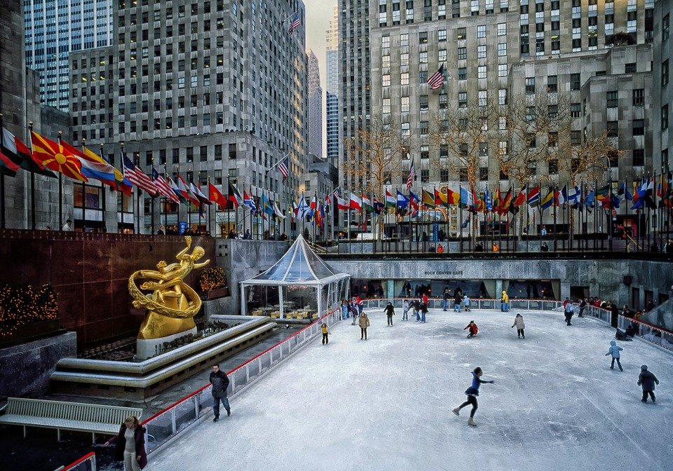 Rockefeller Plaza - An elegant and (relatively) tranquil take on Midtown Manhattan.
