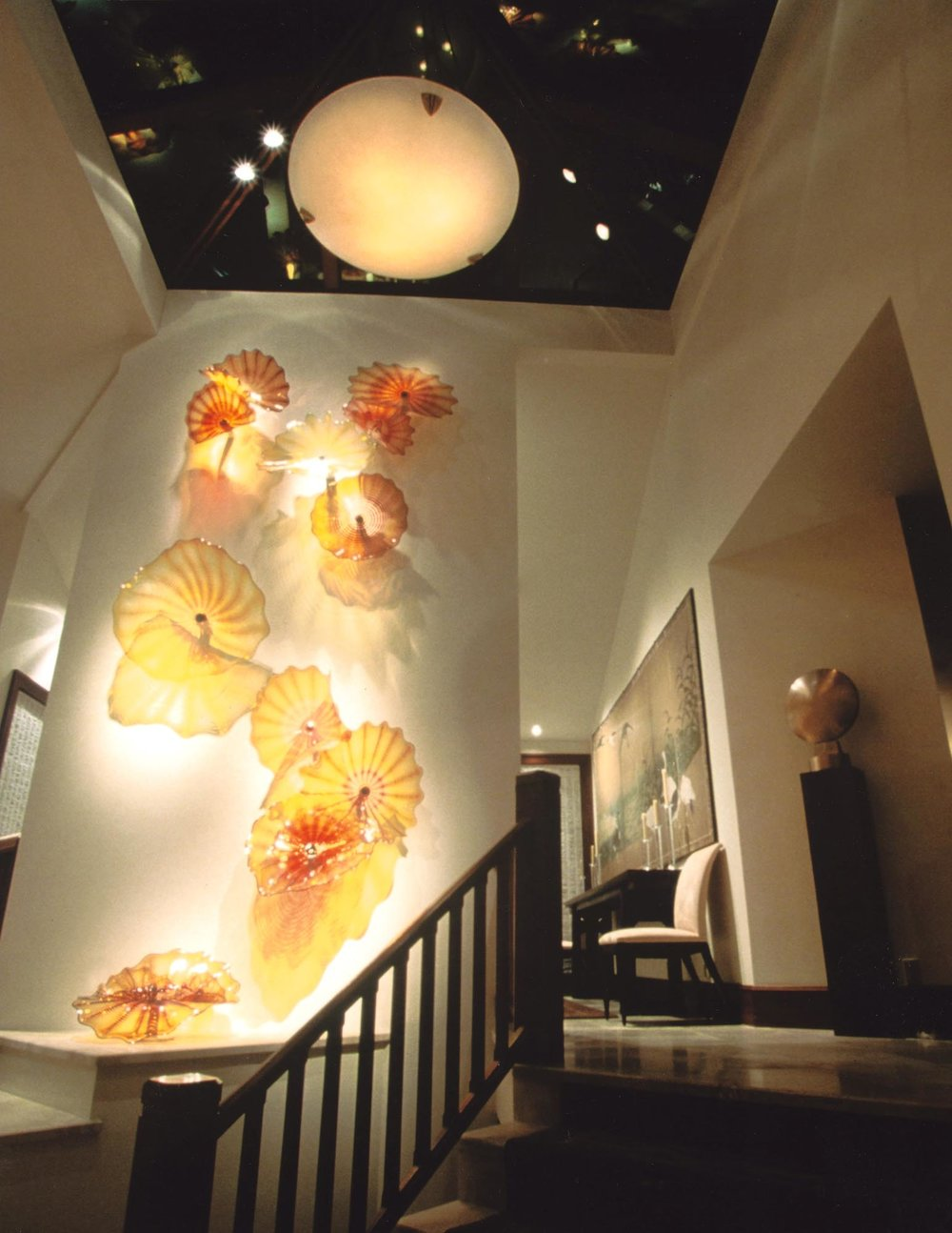 Commissioned glass installation by Dale Chihuly. Antique: 18th century Japanese screen. Sculpture by Manuel Izquierdo