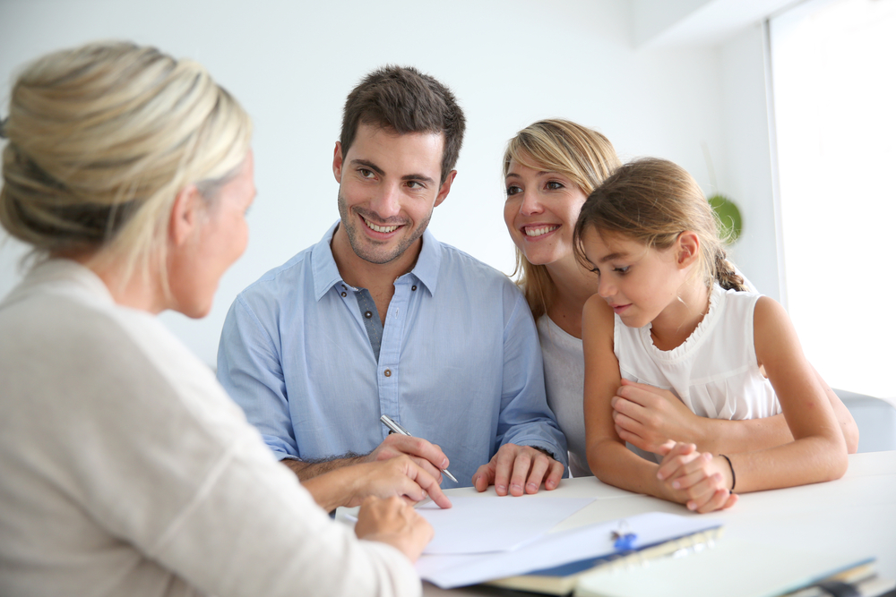 Family getting financial advice