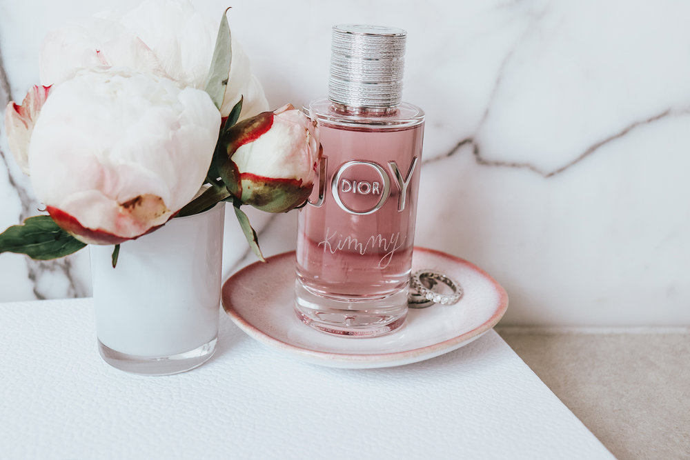 Dior: Personalised modern calligraphy engraving