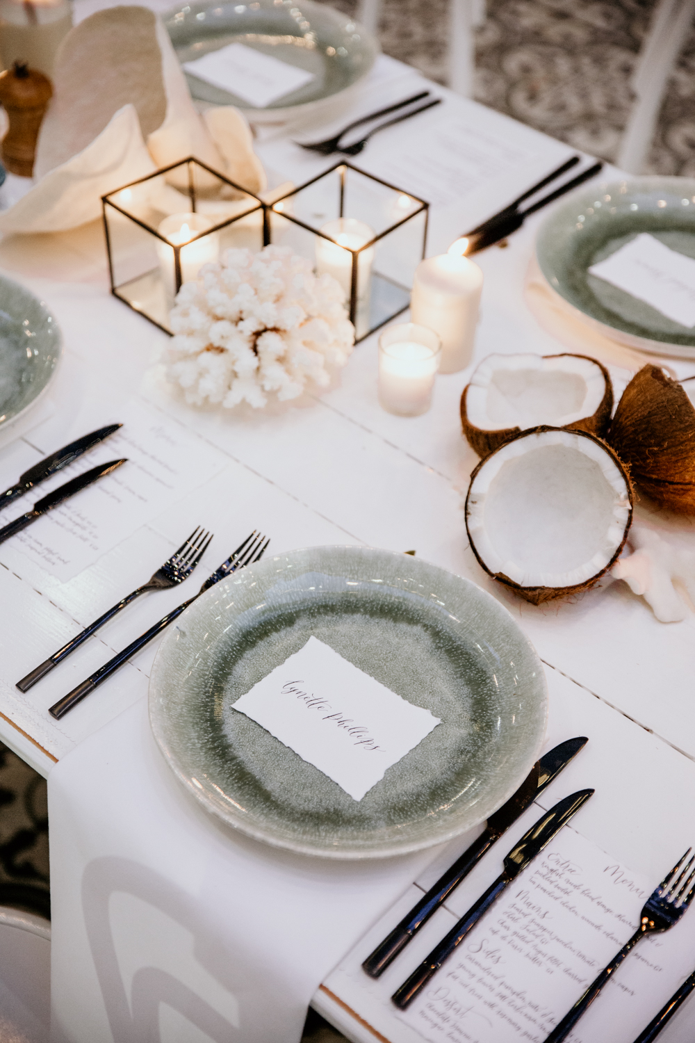 Max Media Lab: Calligraphy place cards & menus on hand torn card