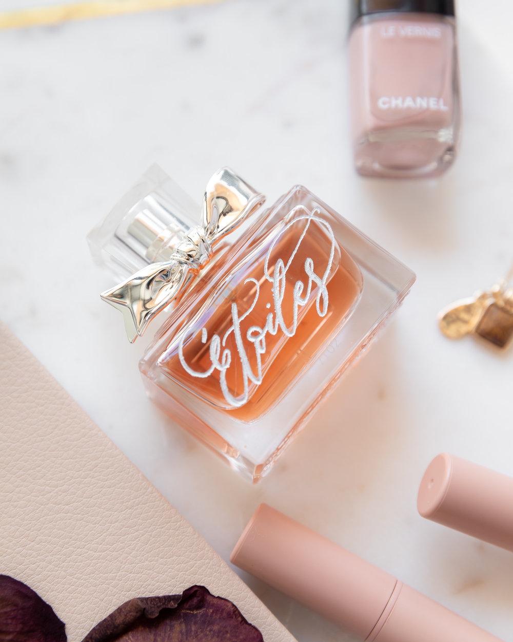 Signature calligraphy engraving for Miss Dior Fragrance