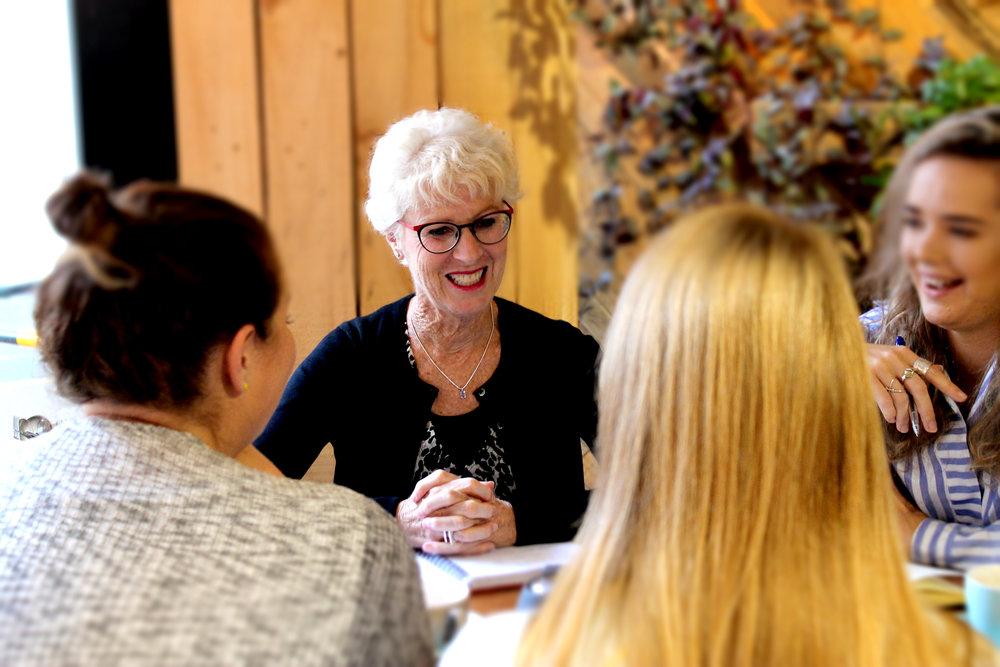LINDA WATSON  ACCOUNT DIRECTOR | WELLINGTON    EMAIL